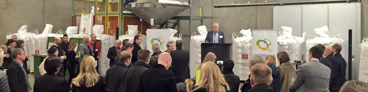 Mere end 100 personer deltog i opstarten af nyt plastgenanvendelsesprojekt